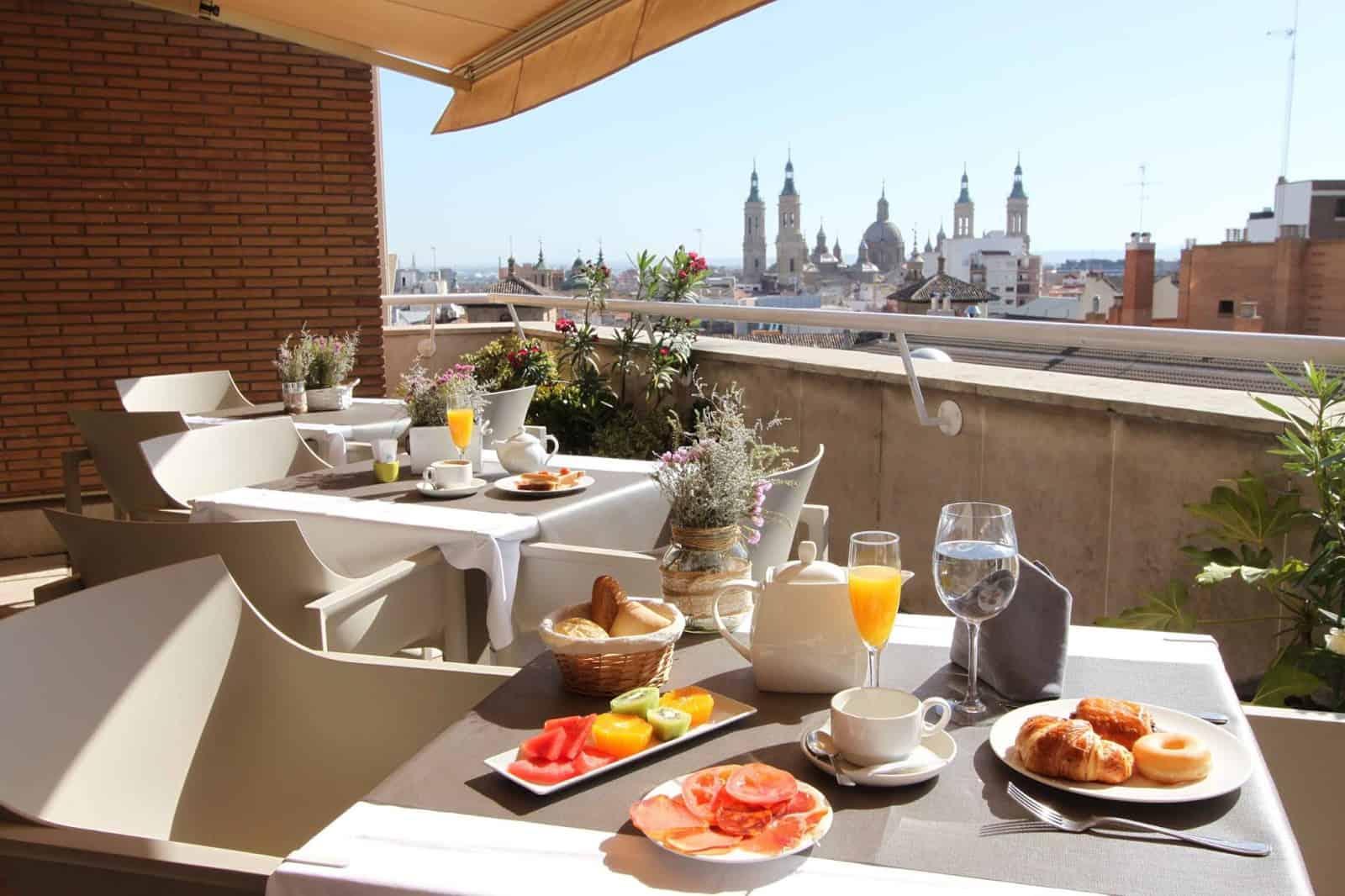 Duerme en Zaragoza a un precio excepcional y esquía en Huesca